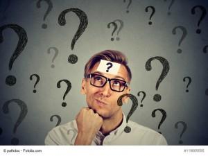 """Allgemein gehaltene Stellentitel sind weniger wirksam als präzise Titel. Versuchen Sie daher, Formulierungen aufzunehmen, welche die Rolle genauer beschreiben. Suchen Sie z.B. nach einem Marketing-Manager für Veranstaltungen und Sponsorship, werden Sie mit dem Anzeigentitel """"Event-Manager"""" mehr passende Kandidaten für Ihre Stellenanzeige interessieren, als über einen generischen Begriff wie """"Marketing Manager"""". Diesen Tipp in die Realität umsetzen Als einer unserer Kunden für eine Account-Manager-Position keine passenden Bewerbungen erhielt, analysierte unser Team die Stellenanzeige und optimierte den Anzeigentitel. Da die Stelle stark auf Sales ausgerichtet war, fügten wir diese Information dem Stellentitel hinzu. Durch diese kleine Anpassung auf """"Sales Account Manager"""" konnte die Performance der Anzeige erheblich gesteigert werden."""